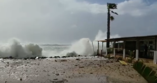 Grand Beach Cafe hit by heavy waves, Cape Town Lately